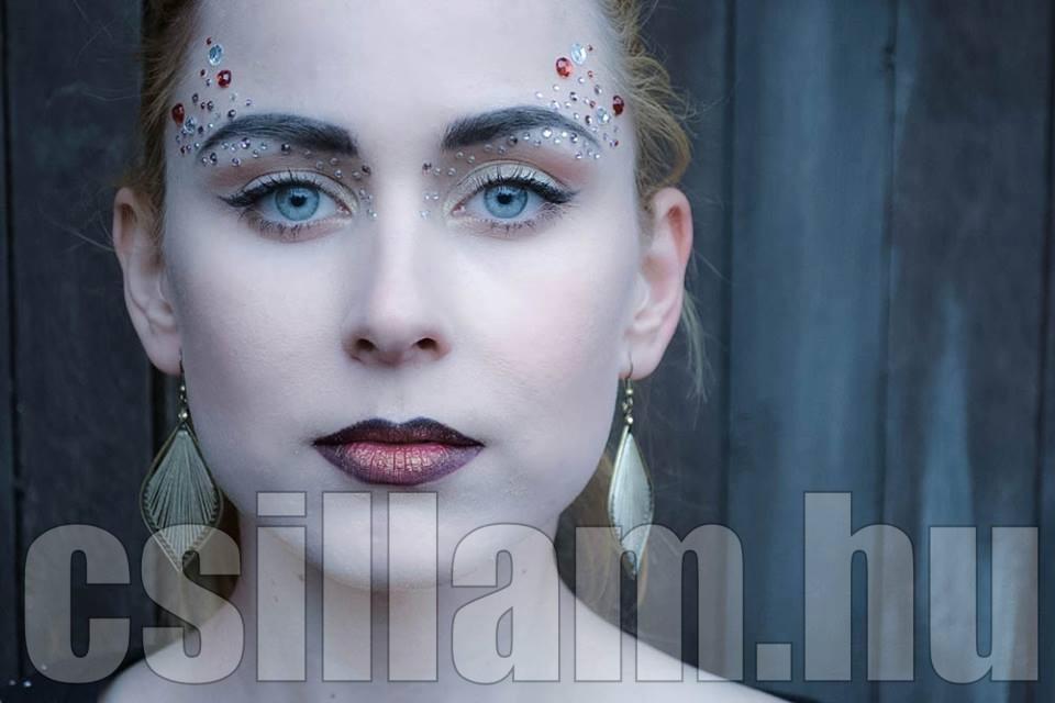 aviana_rahl_csillamvilag_csillamtetovalas_blog_kreativ_strasszko_strasszkoves_smink